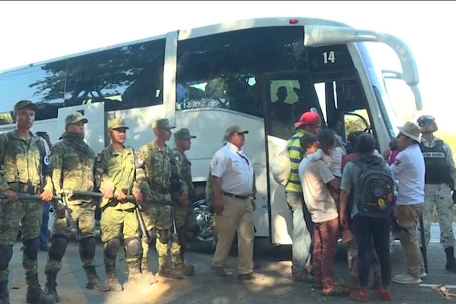 Méxivo: policía detiene a 800 migrantes de la caravana 2020
