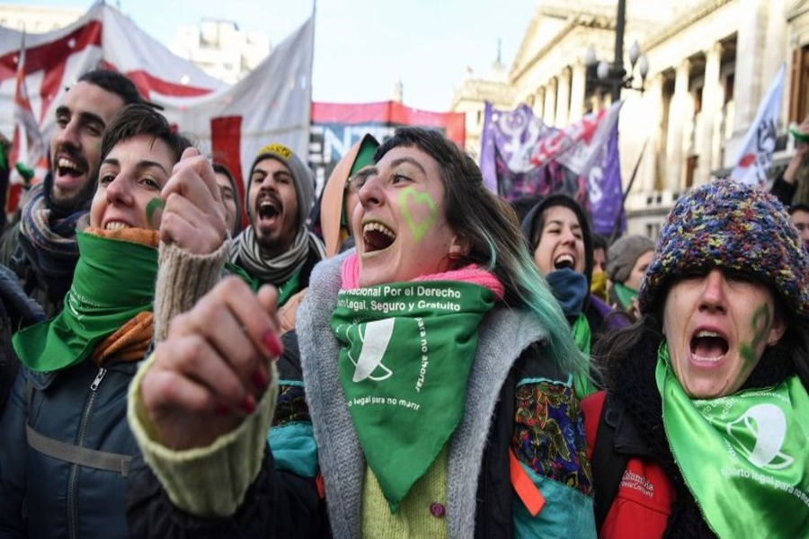 Argentina: Miles de mujeres de verde reclaman aborto legal
