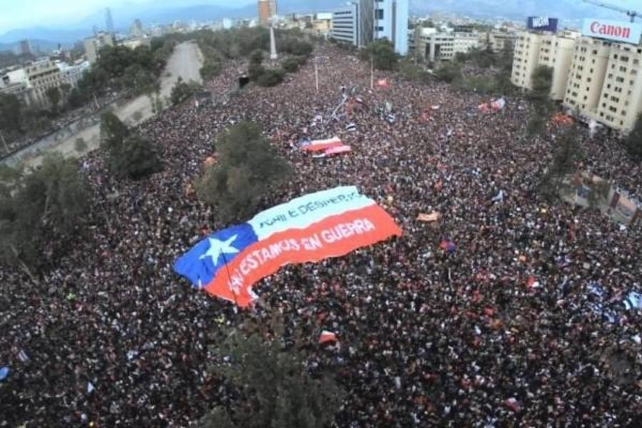 Chile: Miles vuelven a protestar en la céntrica plaza Italia