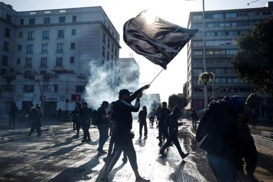 Chile: El Festival de Viña del Mar abre con protestas y Ricky Martin pidiendo por DDHH