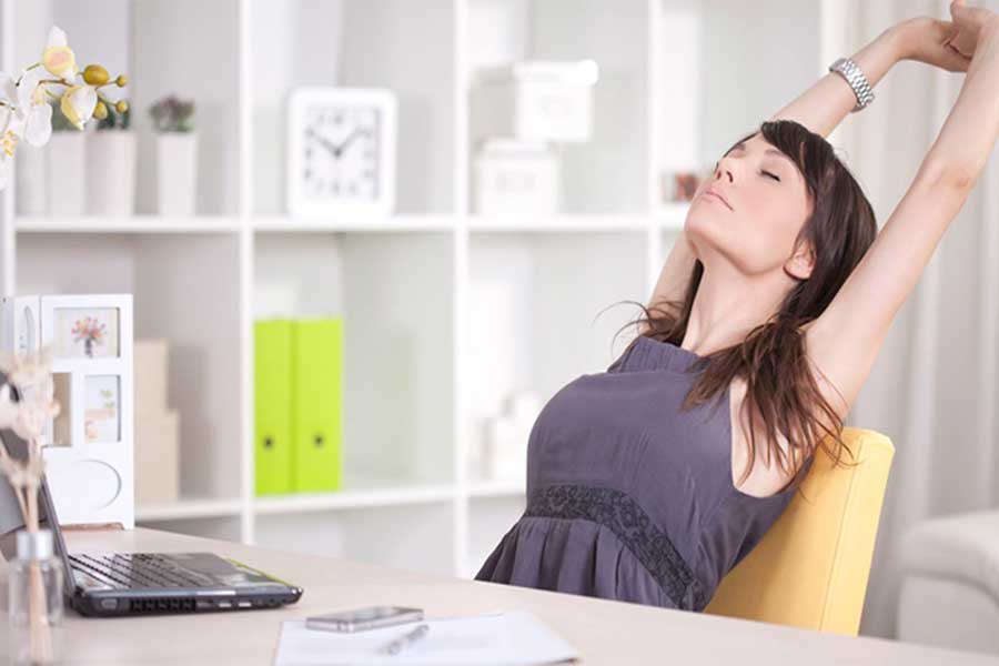 Trabajo remoto: cómo evitar los dolores de columna
