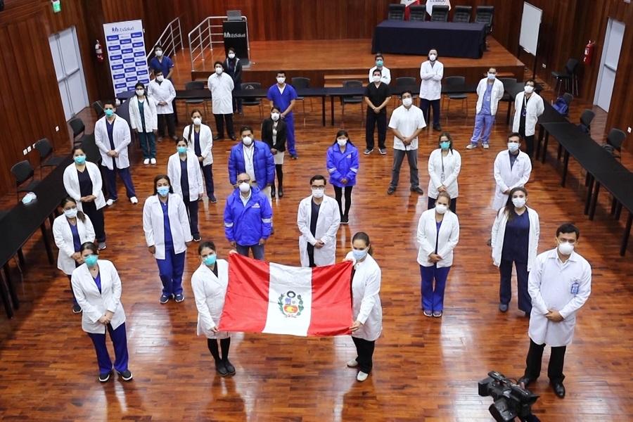 Héroes: los jóvenes médicos que combaten la covid-19 en el Perú