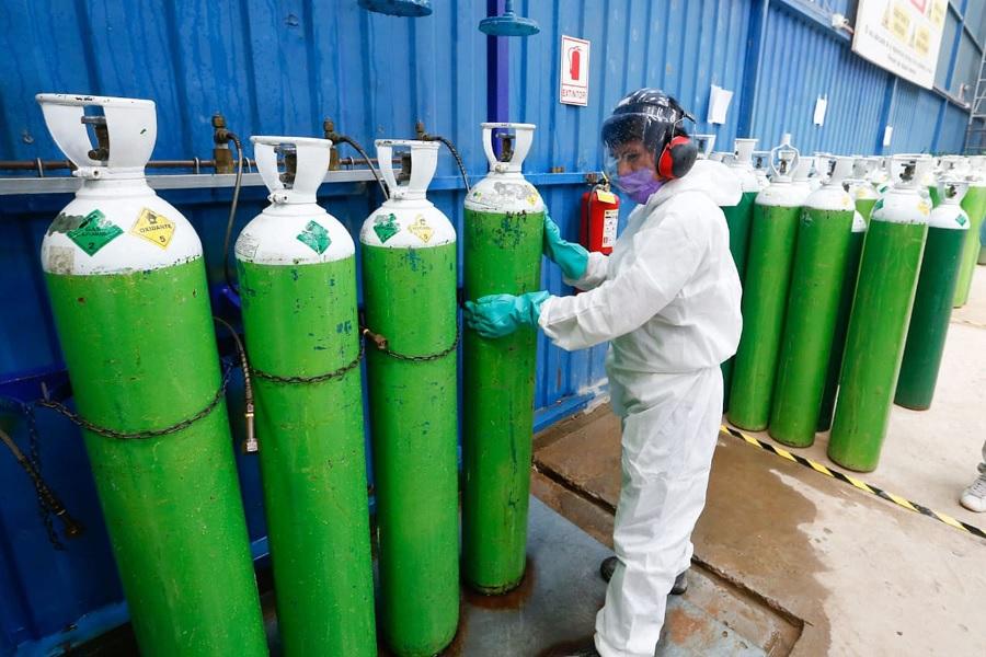 Decreto autoriza transferencias monetarias para aumentar producción de oxígeno medicinal