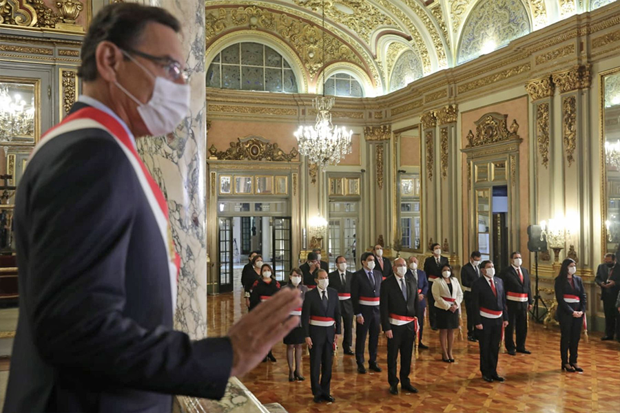 Presidente Vizcarra toma juramento al nuevo Gabinete Ministerial