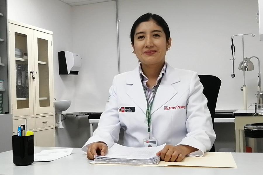 Médica ocupacional atiende a trabajadores del Minam por teleconsultas