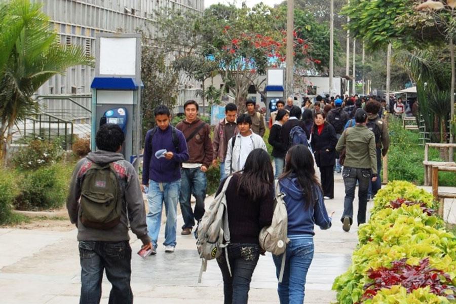 Pronabec anuncia crédito para estudiantes en riesgo de dejar educación superior