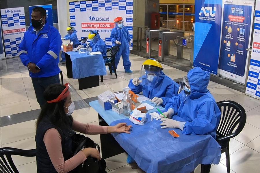Metropolitano: toman prueba rápida a pasajeros
