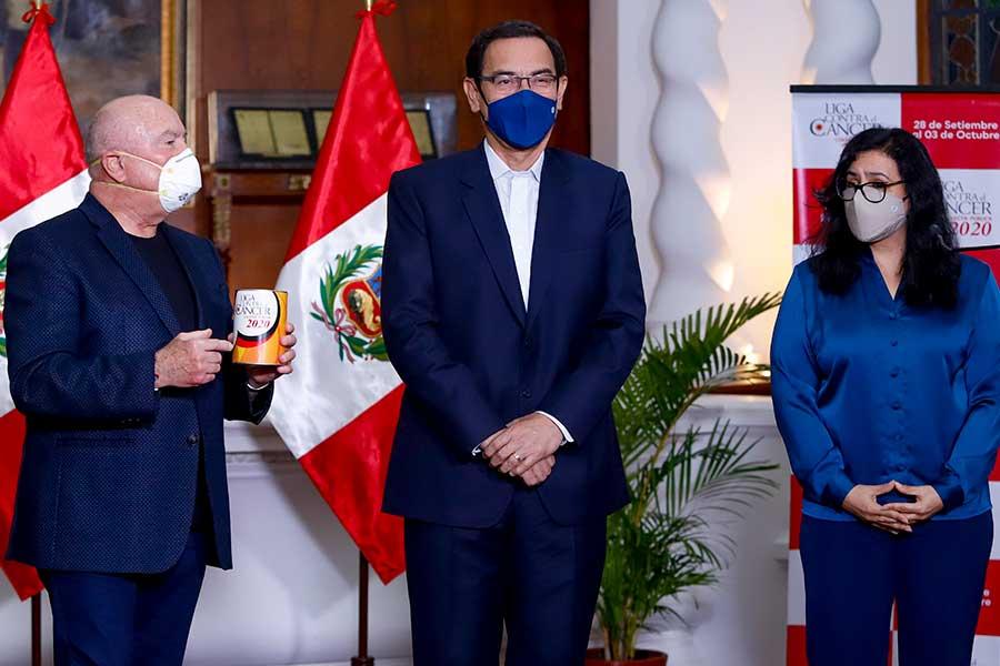 Presidente Vizcarra da inicio a colecta nacional de Liga Contra el Cáncer