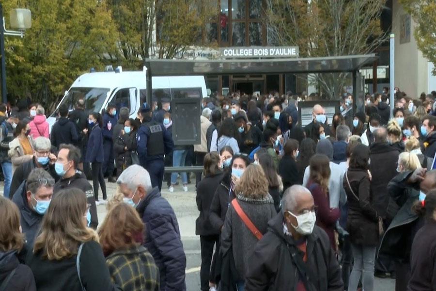 Conmoción y varios detenidos en Francia por asesinato a un profesor