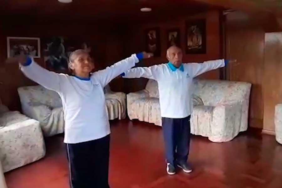 Con baile evitan estrés y depresión en adultos mayores