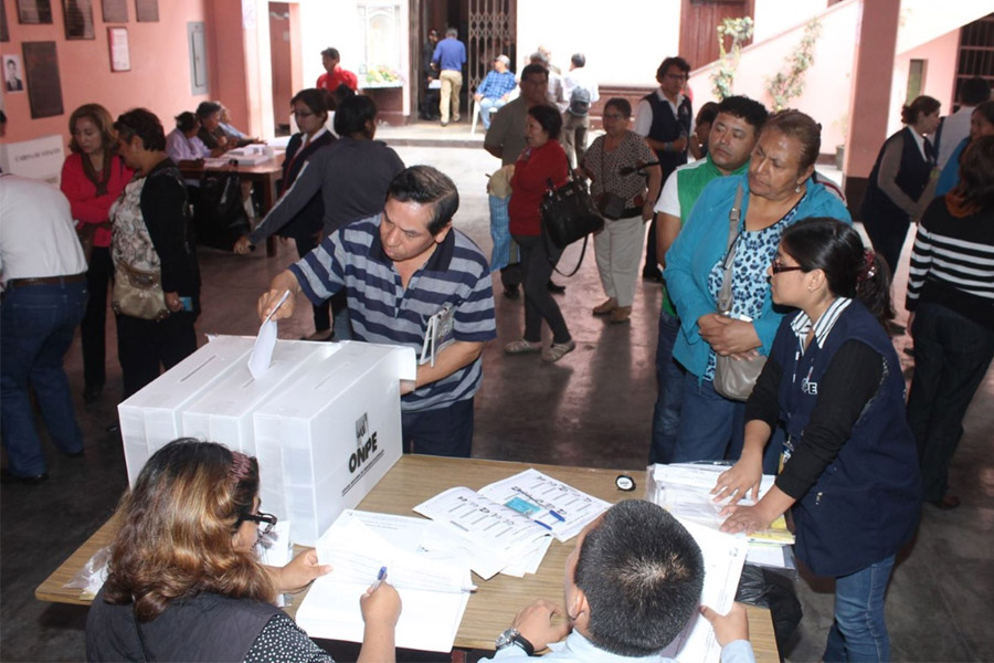 ONPE: Este domingo votarán más de un millón 600 mil afiliados en elecciones internas