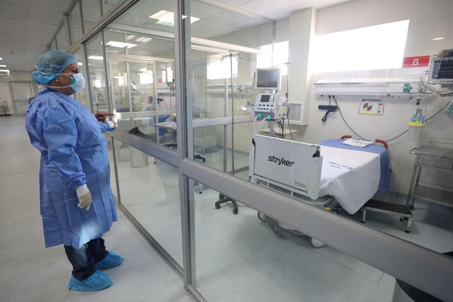 Aumentarán camas UCI para atender casos de covid-19