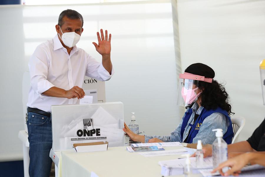 Elecciones 2021: Ollanta Humala emite su voto