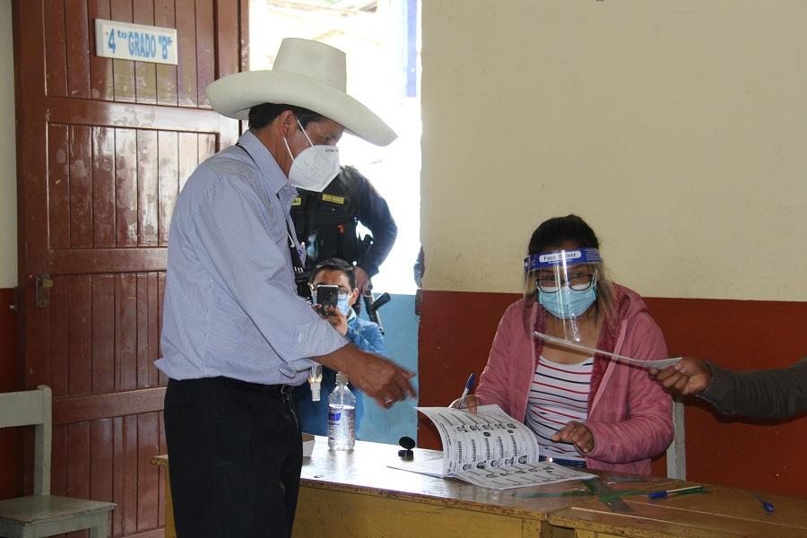 Elecciones 2021: Pedro Castillo emitió su voto