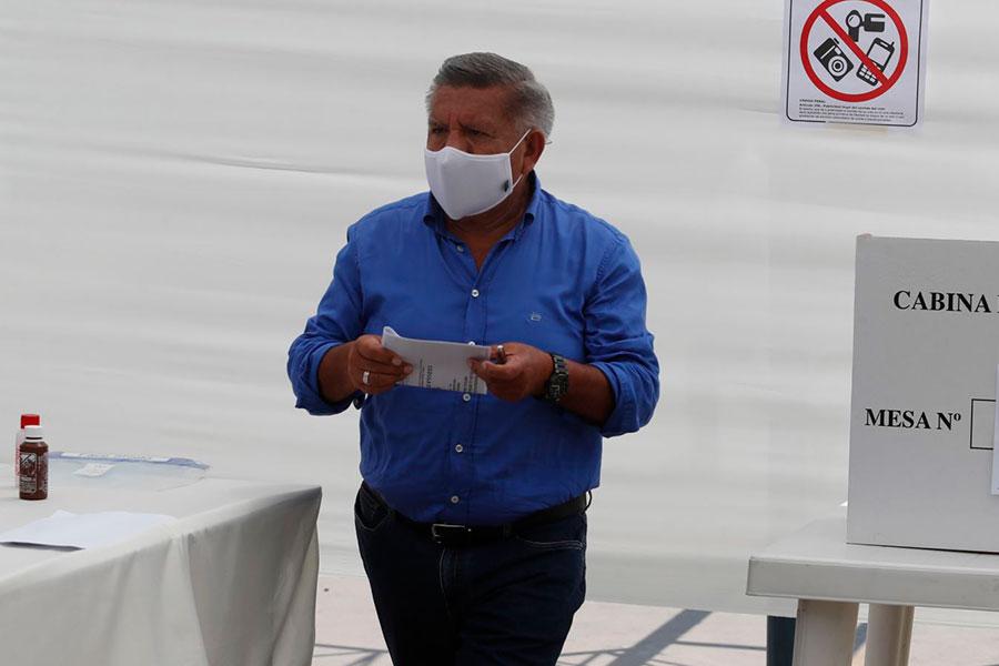 Elecciones 2021: César Acuña emitió su voto
