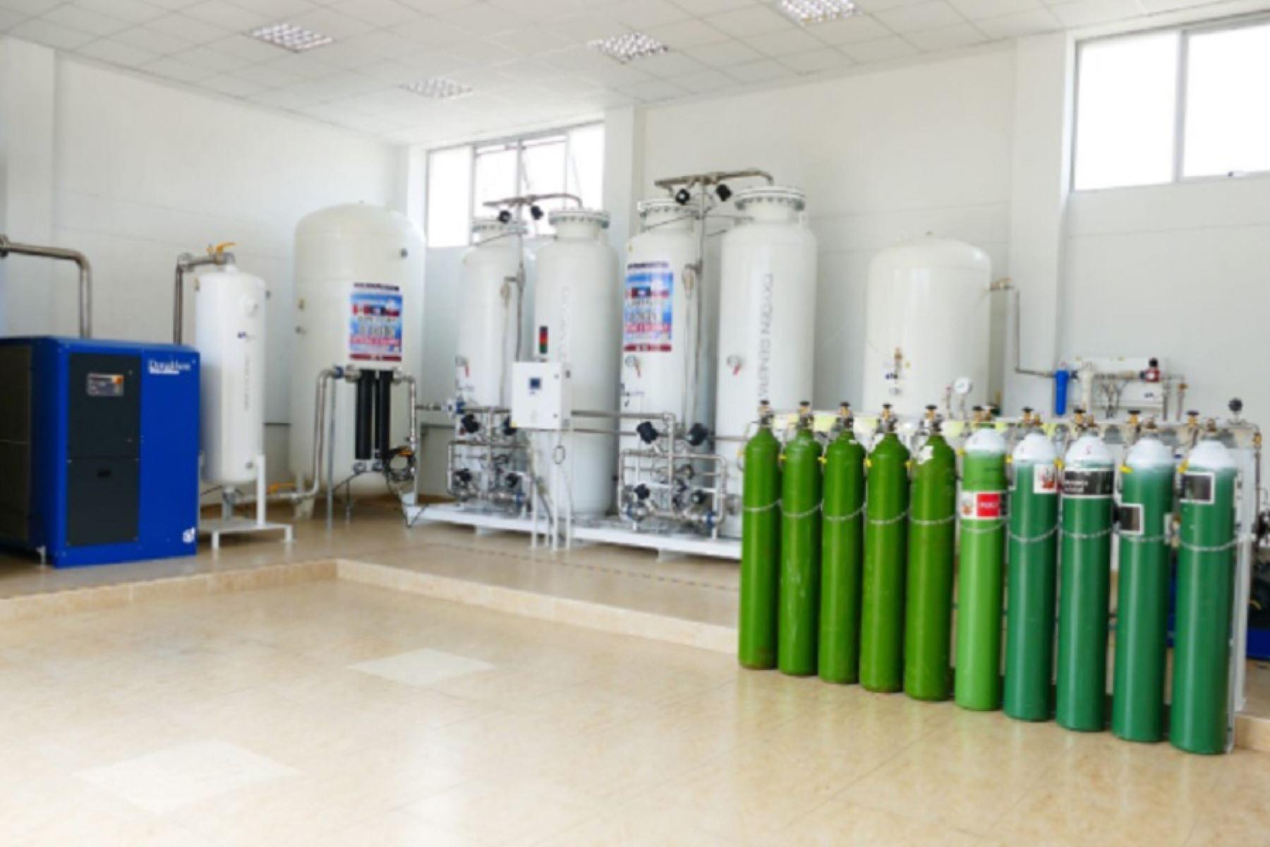 9 regiones del país contarán con 13 nuevas plantas de oxígeno.
