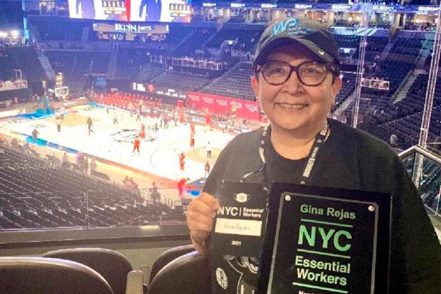 Peruana en Nueva York es símbolo de lucha contra la pandemia