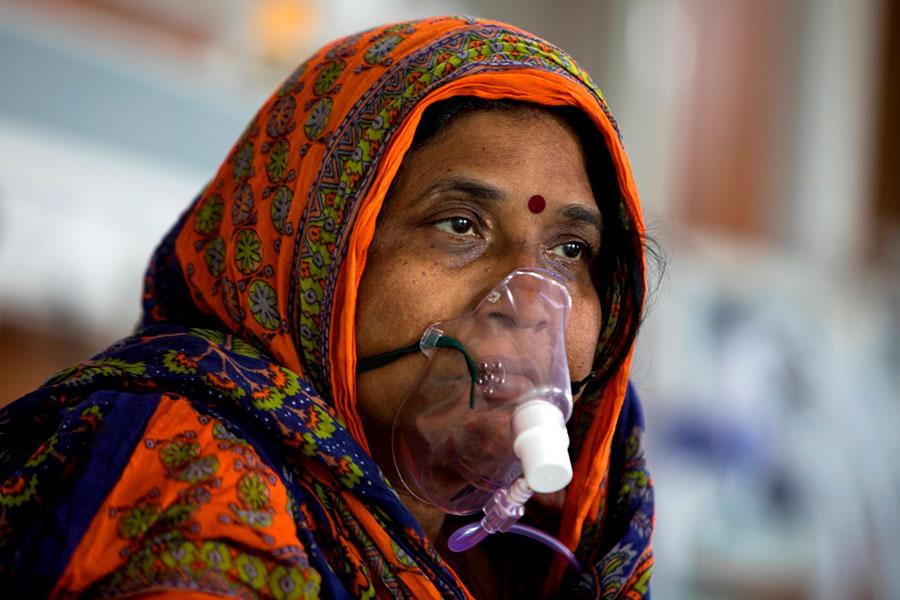 India: ayuda multimillonaria para el sector sanitario por segunda ola