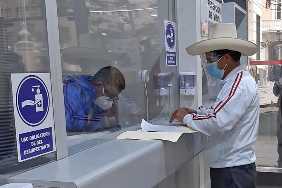 Pedro Castillo pide pronunciamiento de la Defensoría tras amenaza de muerte