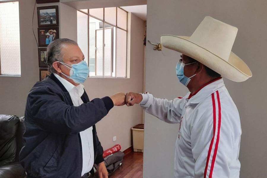 Pedro Castillo firma acuerdo político con el Frente Amplio