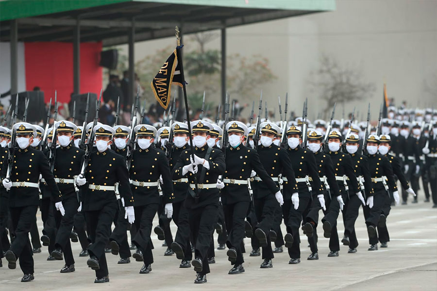 Gallardía de la Marina de Guerra en la Parada Cívico Militar