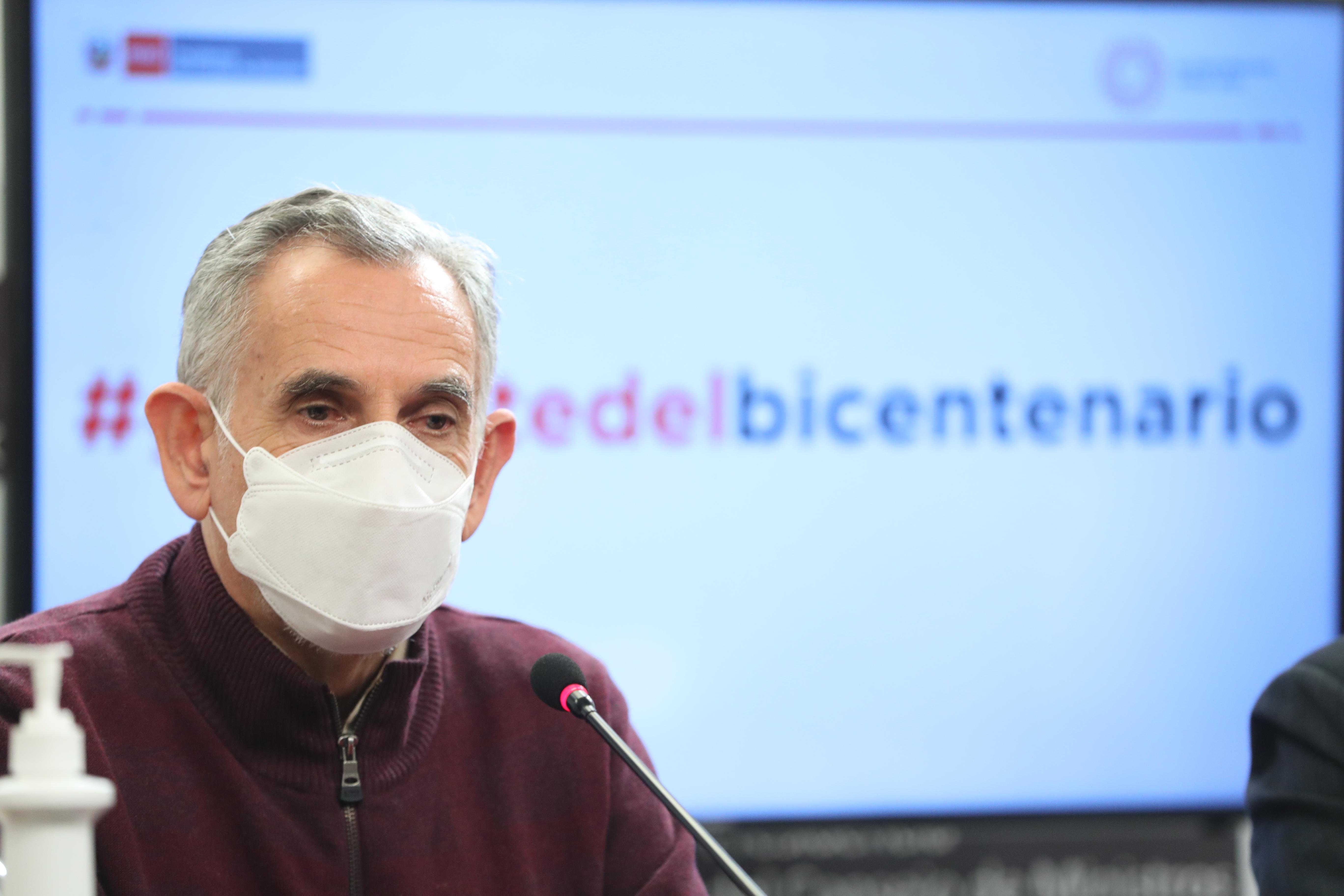 Ministro Francke: vacunación es primera prioridad en asignaciones presupuestales