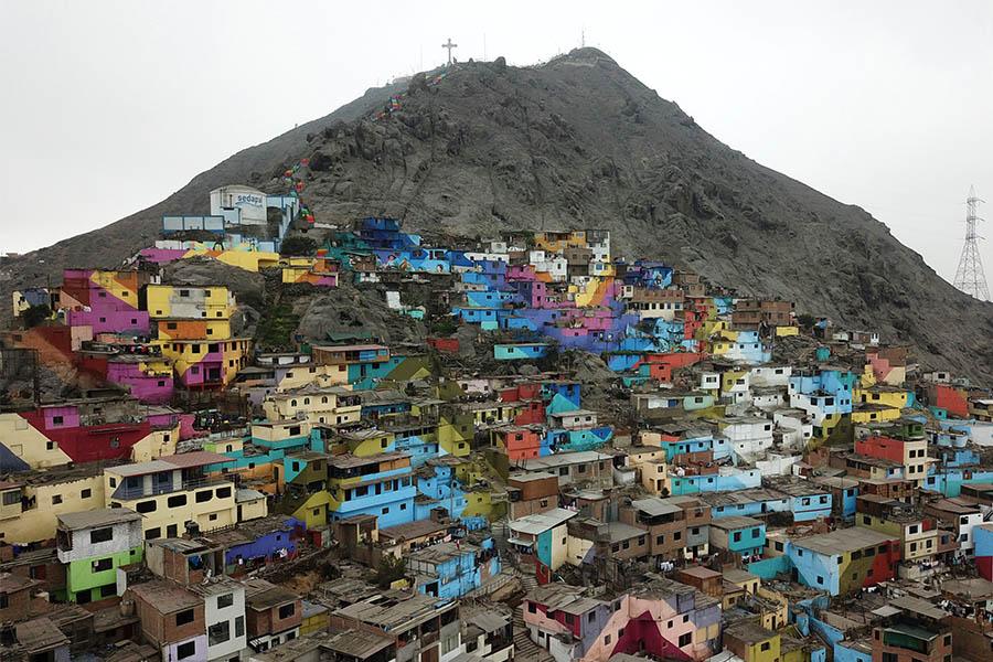 Gigantesco mural decorará las faldas del cerro San Cristóbal