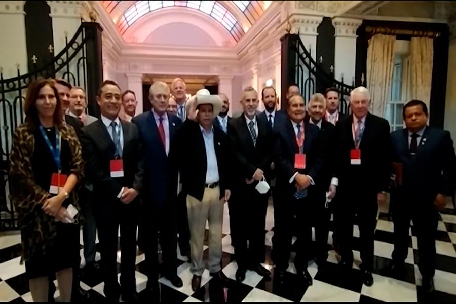 Presidente Castillo se reune con empresarios de la Cámara de Comercio Americana de Perú
