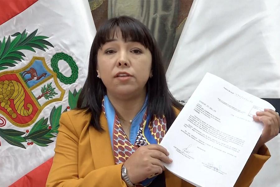 Mirtha Vásquez: proyecto busca diálogo sobre adecuado balance de poderes