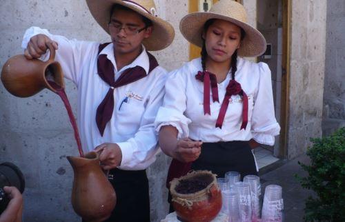 La chicha de guiñapo es una bebida tradicional de Arequipa.
