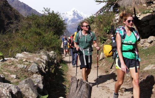 El camino inca a Machu Picchu es recorrido diariamente por cientos de turistas.